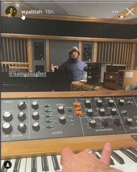 Video Liam Gallagher in studio di registrazione
