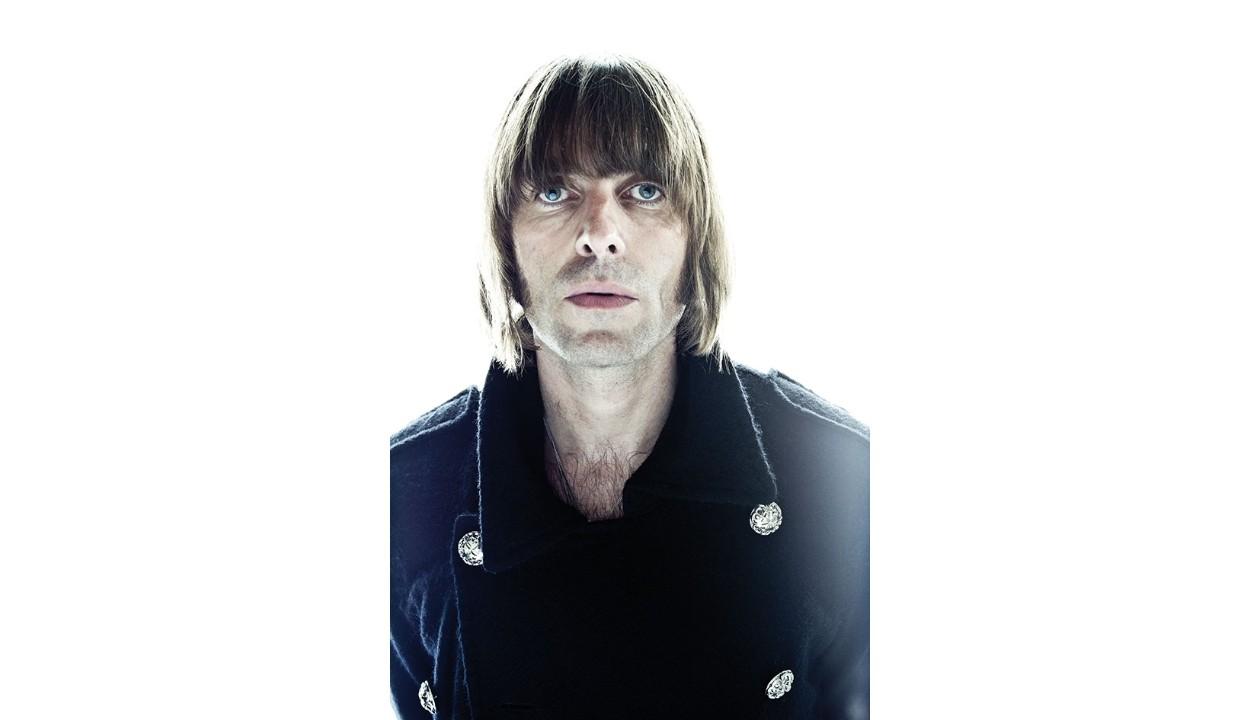 Foto di Liam Gallagher all'asta per beneficenza